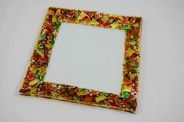 quadratischer Glasteller mit farbigem Rand